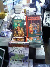 Här är min bok i SF-bokhandeln i Göteborg. Tack Cilla och Jon för bilden!