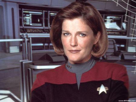 Voyager - Bemanning = Katryn Janeway 2