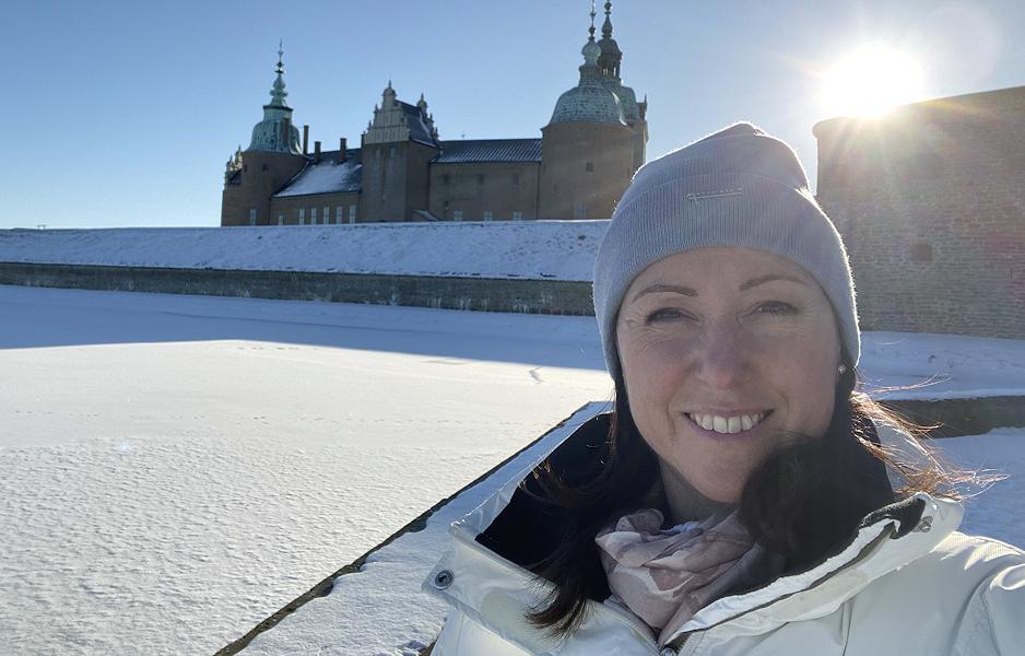 Caroline Möllesand ska ge ut en bok 2021.